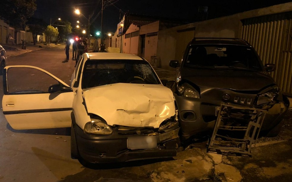 Troca de tiros deixa homem morto e policial militar baleado, em Goiânia  — Foto: TV Anhanguera/Reprodução