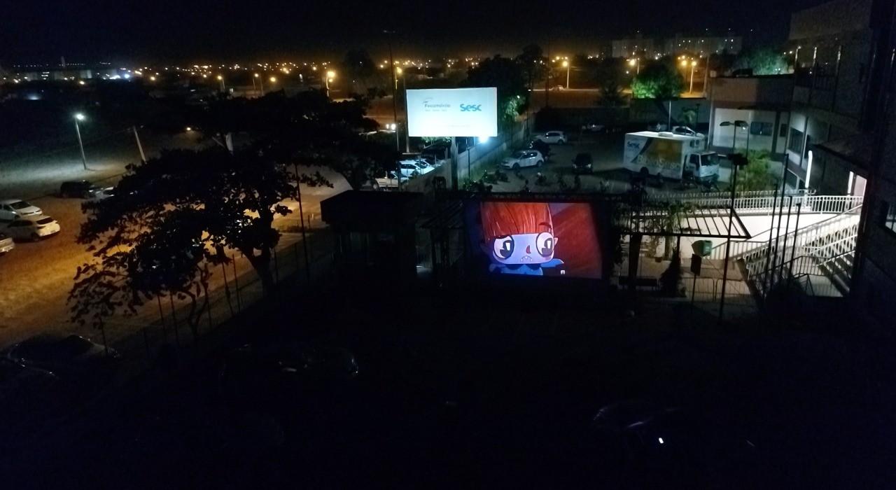 Palmas terá sessões de cinema drive-in no estacionamento do Sesc; Veja os dias e como participar