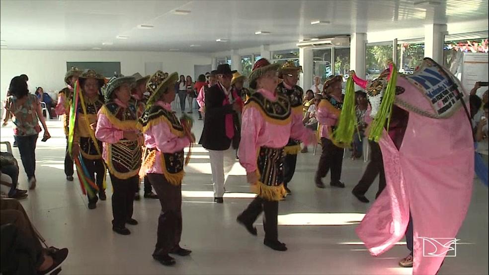 Bumba Meu Boi 'Estrela do Gen' foi uma das atrações da programação que celebra o dia mundial contra a violência contra o idoso (Foto: Reprodução/TV Mirante)