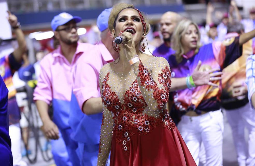 Tocantinense Mônica Soares interpreta samba da Rosas de Ouro (Foto: Divulgação/SASP)