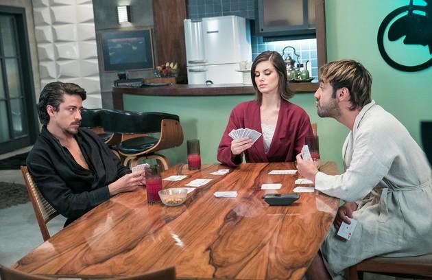 Jerônimo reencontrará Vanessa (Camila Queiroz) e Galdino (Gabriel Godoy) e os três ficarão juntos, cheios de dinheiro (Foto: Arquivo pessoal)