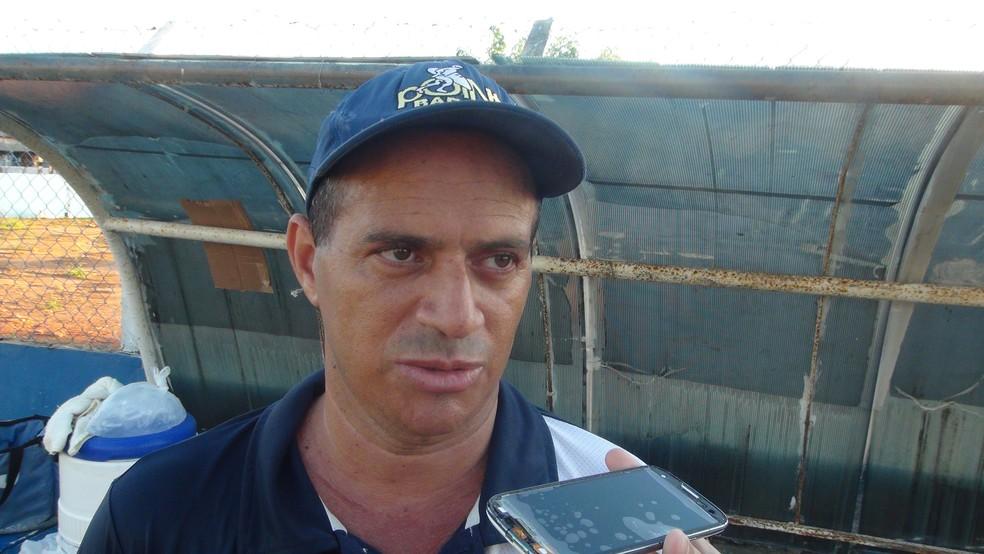 Lino foi o técnico do CSA em 2010 — Foto: Augusto Oliveira / GloboEsporte.com