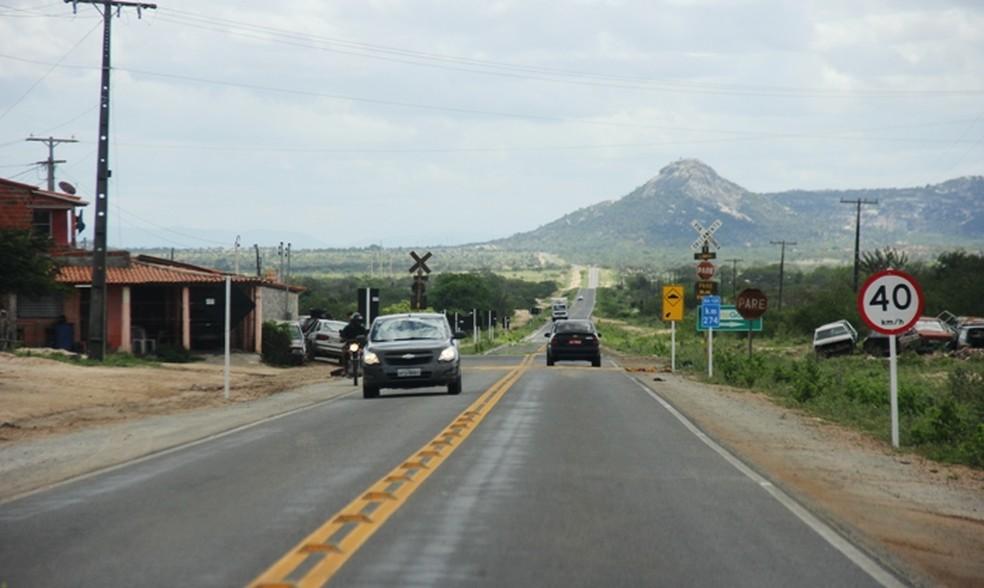 Trecho urbano da BA-120, em Santaluz — Foto: Raimundo Mascarenhas/Calila Notícias