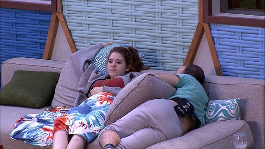 Mahmoud pergunta para Ana Clara: 'Você acha que Jéssica e Lucas combinam votos?'