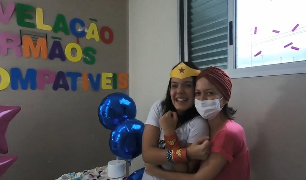 Paciente com leucemia faz chá revelação para anunciar irmão doador de medula em hospital de Jacareí — Foto: Arquivo Pessoal