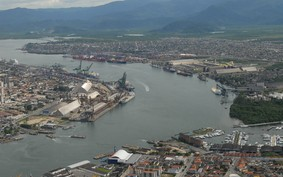 Porto de Santos espera licitar terminais de celulose em agosto