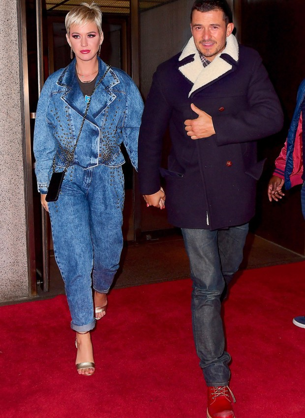 "EXCLUSIVE: Katy Perry and Orlando Bloom were spotted leaving a Romantic Dinner Date in NYC on Monday night. The couple enjoyed a meal at ""The Grill"" in Midtown, following a full day of filming American Idol Auditions. The notoriously shy couple beamed wit (Foto: 247PAPS.TV / SplashNews.com)"