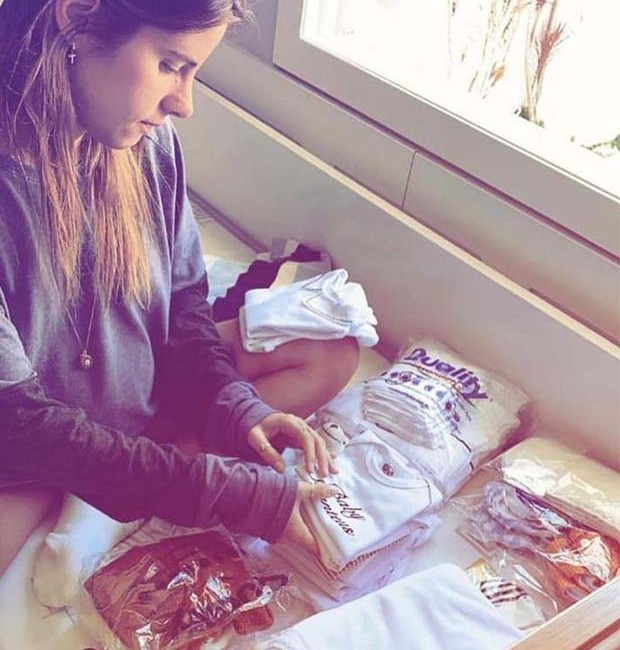 No Instagram, Shantal Abreu dá dicas sobre organização da mala da maternidade de seu primeiro filho (Foto: Instagram/ Reprodução)