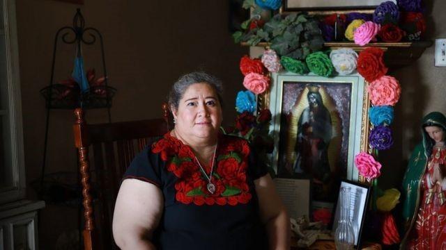 Coronavírus: as 'senhoras banqueiras' que organizam socorro financeiro a latinos durante a pandemia nos EUA