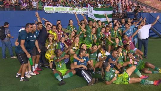 Ex-Fla e Fortaleza conquista dois títulos na mesma noite à frente de times masculino e feminino