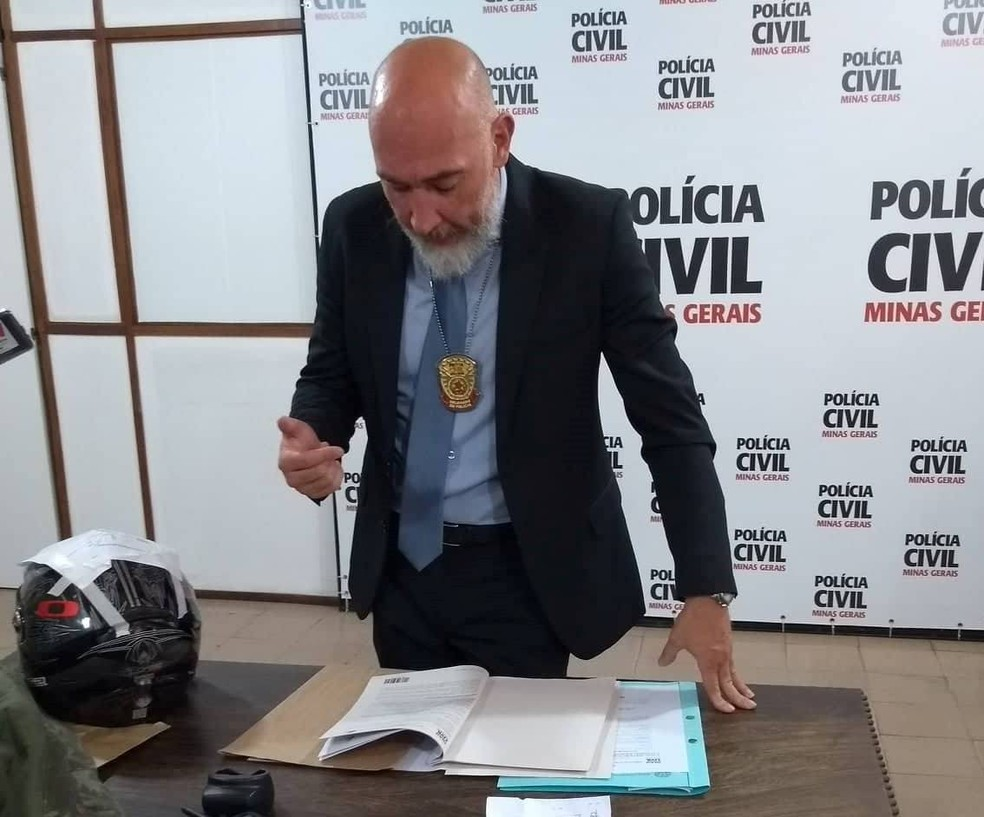-  Laudos de necropsia e do local foram apresentados pelo delegado Rodrigo Rolli em Juiz de Fora  Foto: Fellype Alberto/G1