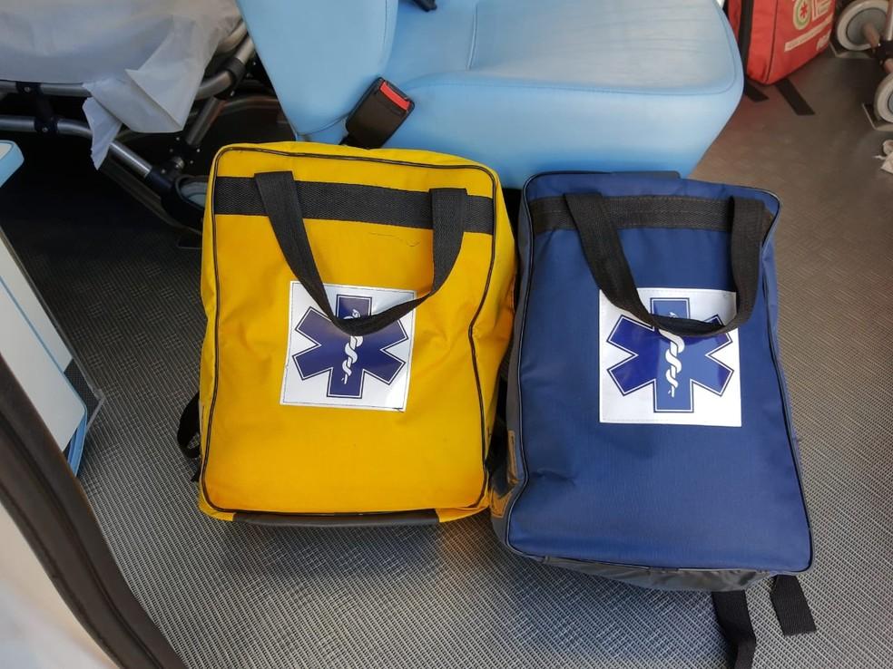 Bolsas como as que foram levadas de ambulância — Foto: Divulgação/Prefeitura de Atibaia