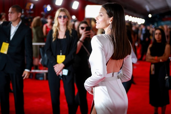 A atriz Evangeline Lilly no red carpet de Homem-Formiga e a Vespa (Foto: Getty Images)