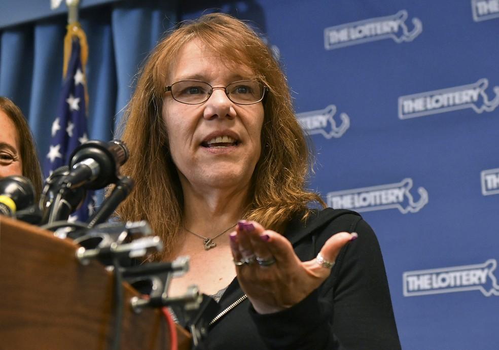 Mavis Wanczyk, ganhadora do prêmio de US$ 758 milhões  (Foto: Associated Press)