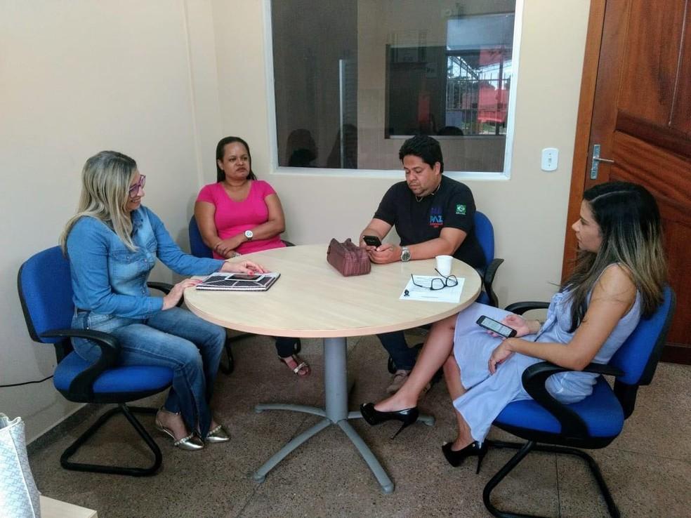 -  Equipe do Pro Paz com o delegado Kleidson Castro, responsável pela UIPP do bairro Nova República  Foto: Agência Pará/ Divulgação