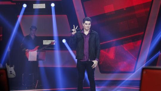 Kiko Britez, do 'The Voice Brasil, concorda com crítica de Brown: 'A gente acaba atropelando a dicção'