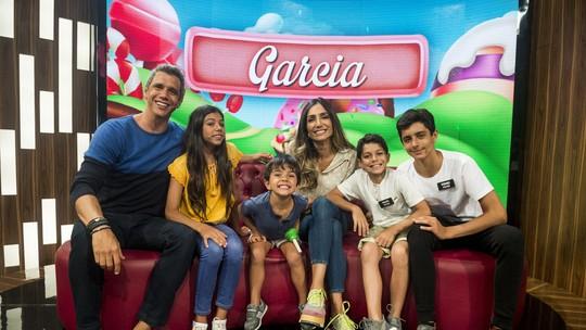 Marcio Garcia e sua família viram participantes do 'Tamanho Família' neste domingo, 19/8