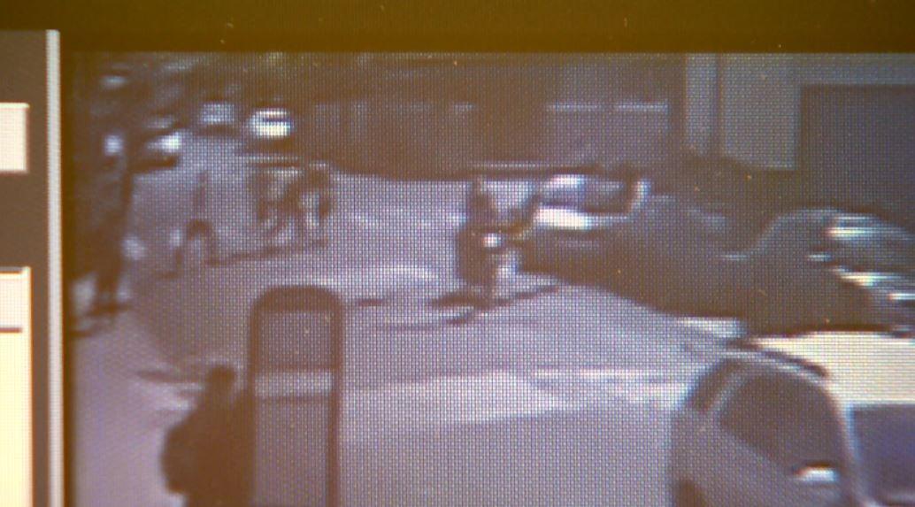 Imagens mostram briga com 2 jovens esfaqueados em frente a colégio em Ribeirão Preto; vídeo - Noticias