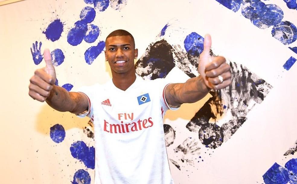 Walace tem contrato com o Hamburgo até 2021 e tenta liberação por empréstimo para voltar ao Brasil (Foto: Divulgação)