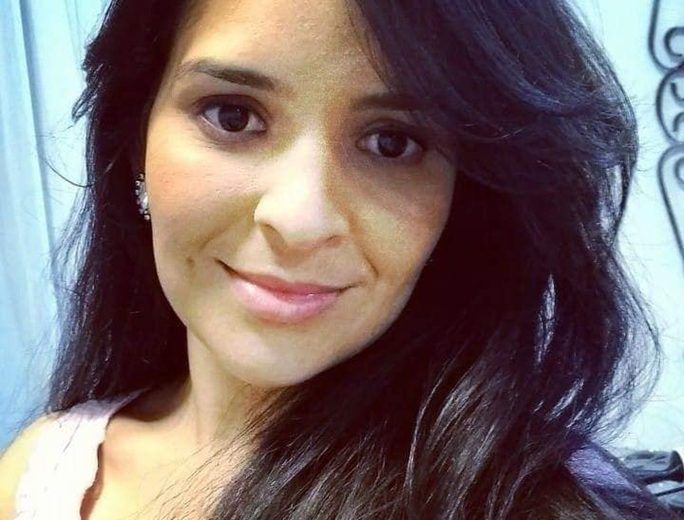 Segundo os policiais, Tatiane Laurinda da Silva morava sozinha e a família não soube informar se ela estava namorando — Foto: Arquivo Pessoal