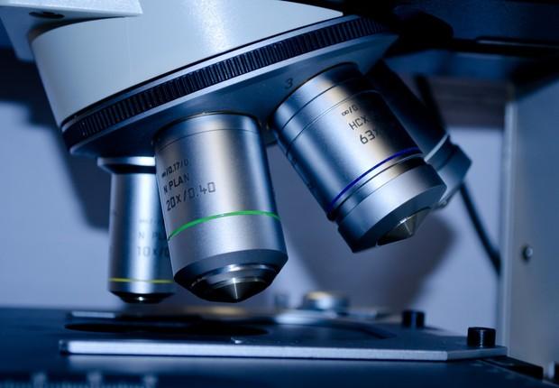 microscópio, pesquisa, laboratório (Foto: Pexels)