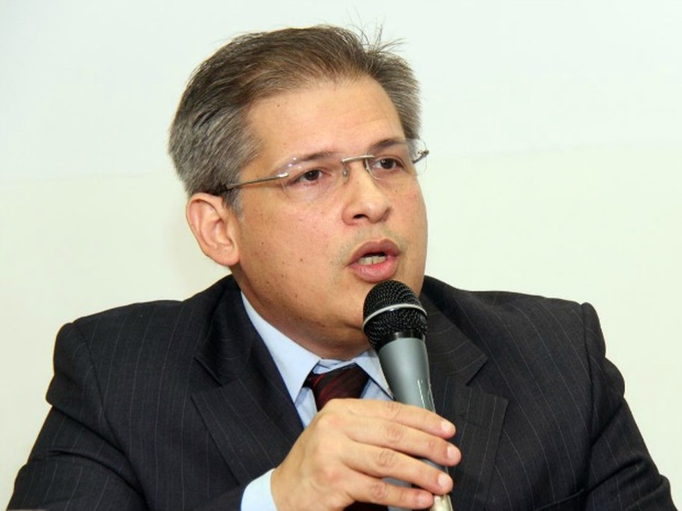Ex-diretor do HU, José Carlos Dorsa, respondia à ação na Justiça e sindiância no Conselho Regional de Medicina de MS (Foto: Izaias Medeiros/Câmara Municipal/Arquivo)