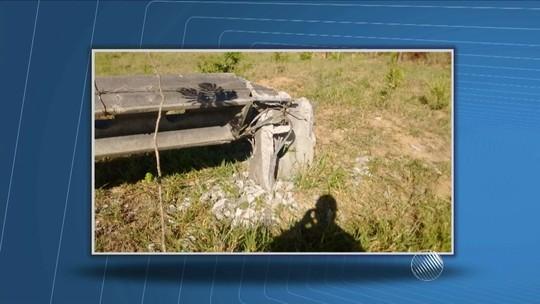 Cinco cidades da Bahia ficam sem energia após derrubada de postes