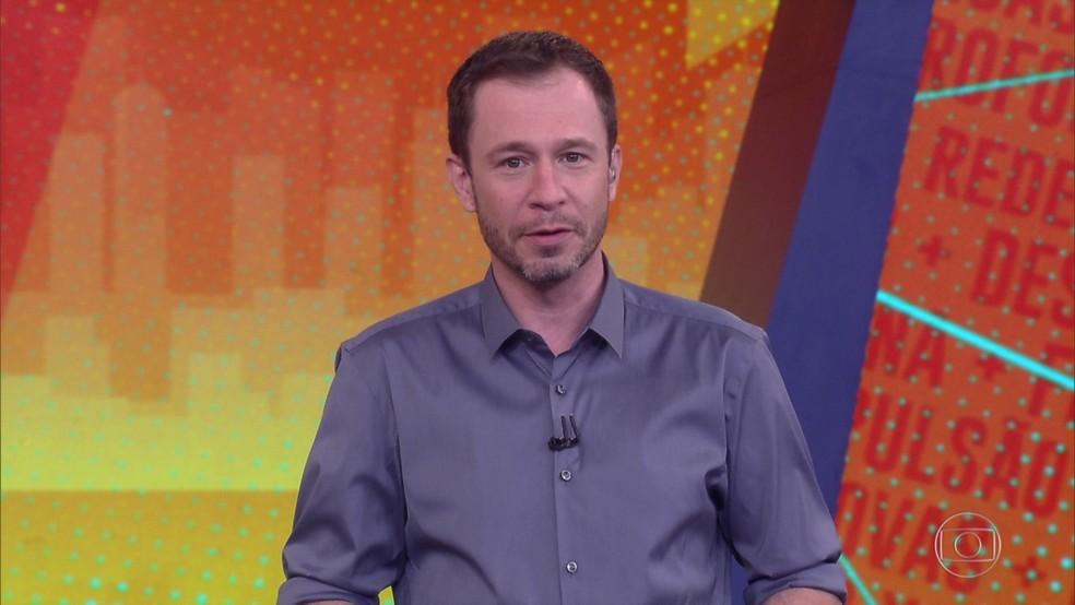 Tiago Leifert apresenta o programa de 24/2 — Foto: Globo