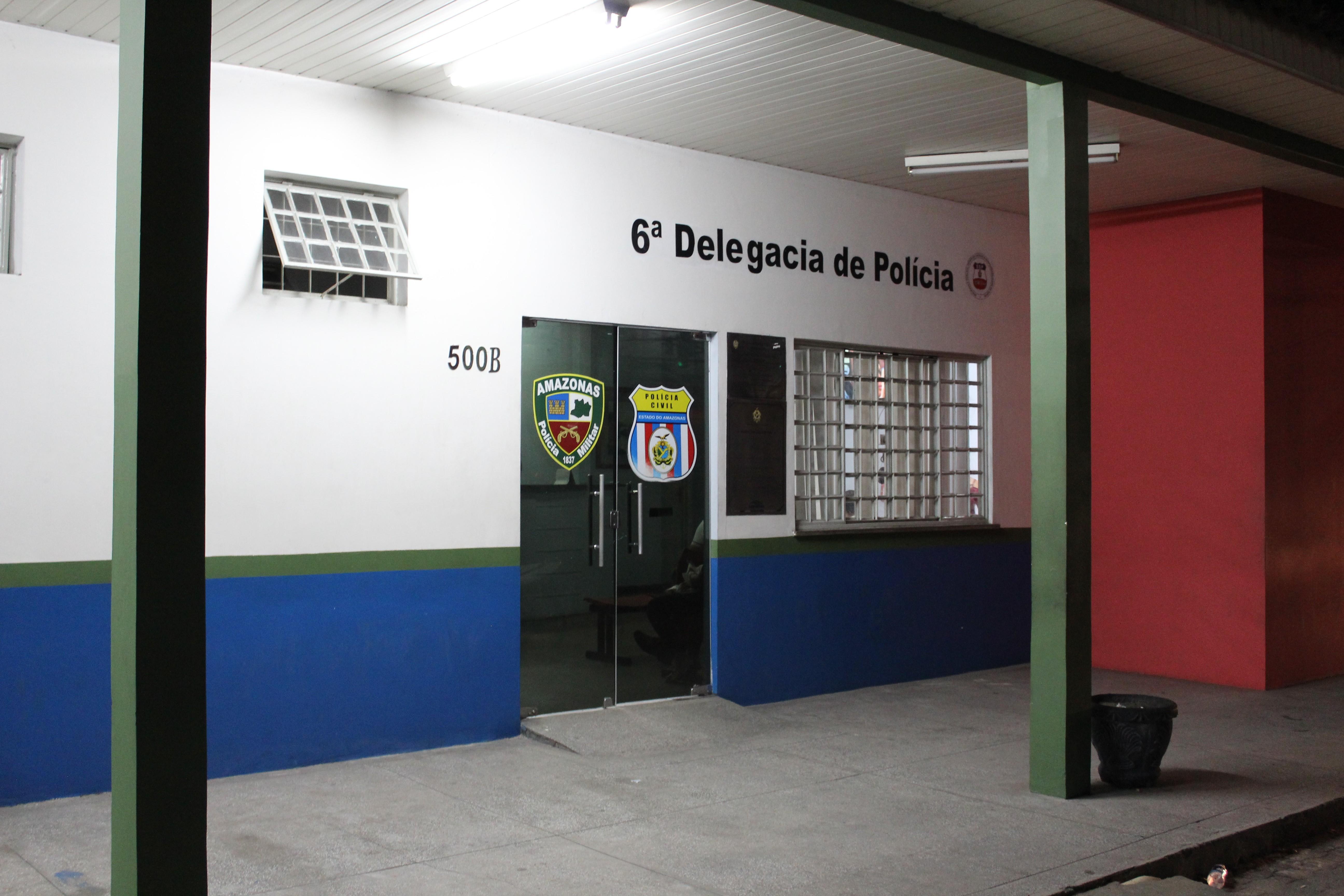 Suspeito é agredido e preso após passageiros de ônibus reagirem a assalto, em Manaus  - Radio Evangelho Gospel