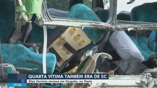 Vítimas que morreram em acidente de ônibus no PR são trazidas para sepultamento em SC