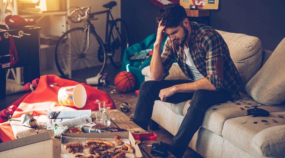 Os organizadores estarão de ressaca após a festa em casa e não conseguirão levantar da cama para limpar a bagunça (Foto: Thinkstock)