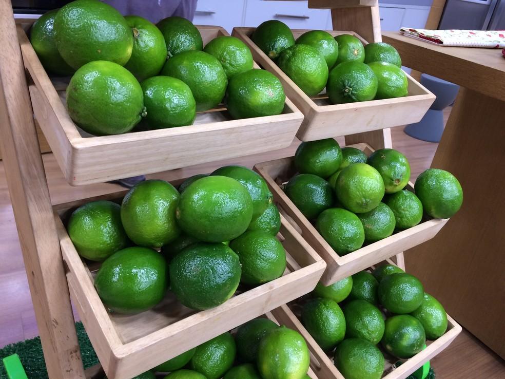 Caixa com 20 quilos de limão custa R$ 20,00 em Ouro Preto do Oeste e R$ 30,00 em Ariquemes (Foto: Erika Ricci)