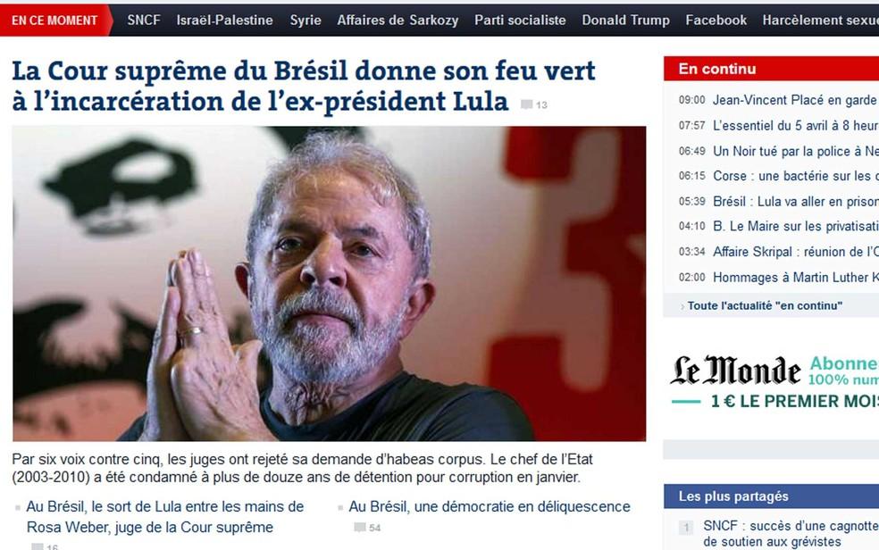 Manchete de Le Monde sobre julgamento de habeas corpus de Lula (Foto: Reprodução / Le Monde)
