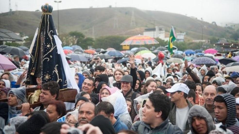 Cerca de 200 mil pessoas acompanharam visita do papa Francisco à cidade de Aparecida em 2013 — Foto: MARCELO CAMARGO/ABR