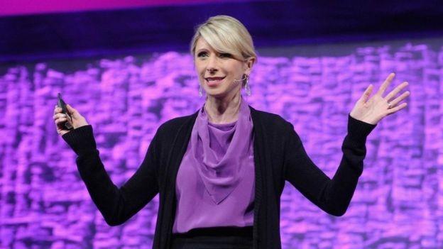 A psicóloga de Harvard Amy Cuddy ajudou a popularizar a ideia da 'postura de poder' (Foto: GETTY IMAGES/via BBC News Brasil)