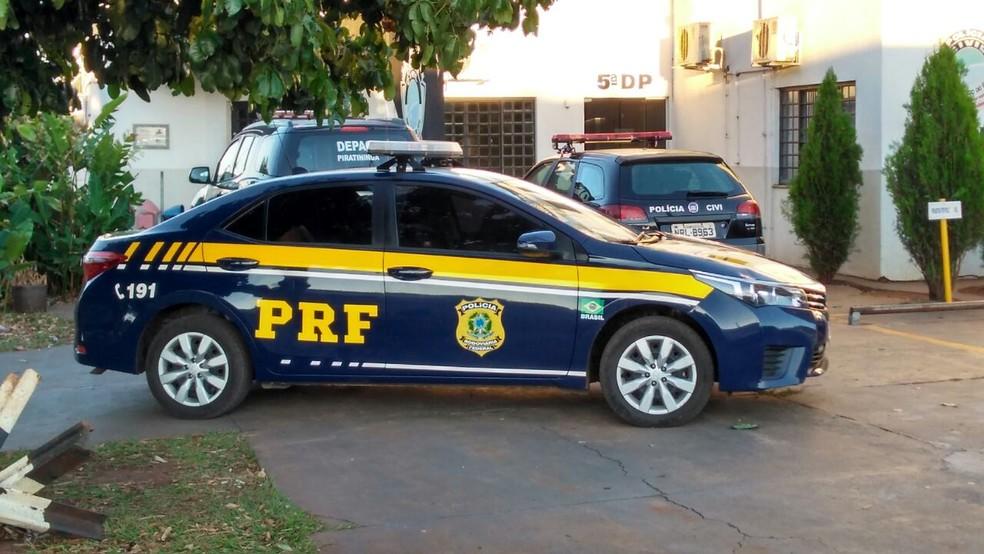 PRF na Delegacia de Pronto Atendimento Comunitário, bairro Piratininga, em Campo Grande (Foto: Osvaldo Nóbrega/ TV Morena)