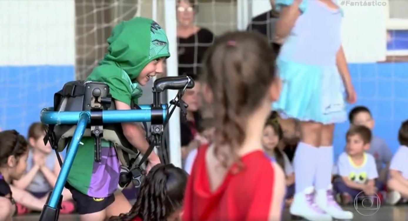 Menino encontra na patinação artística uma maneira de superar limitações da paralisia cerebral - Notícias - Plantão Diário