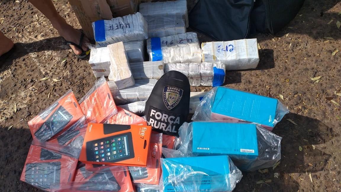 Guarda Municipal apreende produtos eletrônicos sem documentação com dois homens, na rodoviária de Cascavel