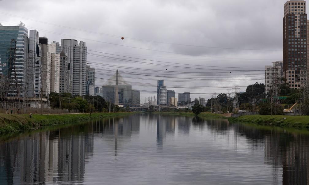 Governador João Doria prometeu despoluição do Rio Pinheiros até 2022 — Foto: Marcelo Brandt / G1