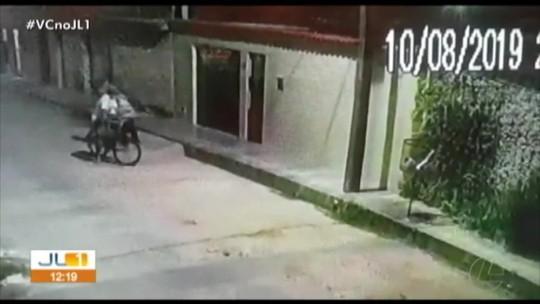 Câmeras de segurança flagram assalto no bairro da Cidade Nova, em Ananindeua