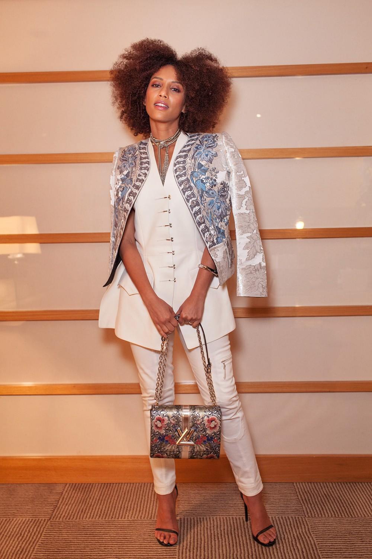 Tais Araújo usou um look da coleção verão 2018 da Louis Vuitton para o jantar da marca (Foto: Marcelo Salvador)