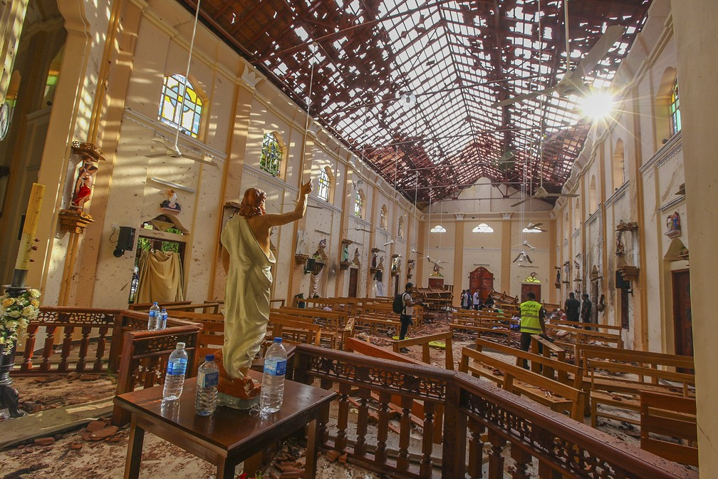 Resultado de imagem para Atentados em igrejas e hotéis de luxo deixam ao menos 207 mortos no Sri Lanka