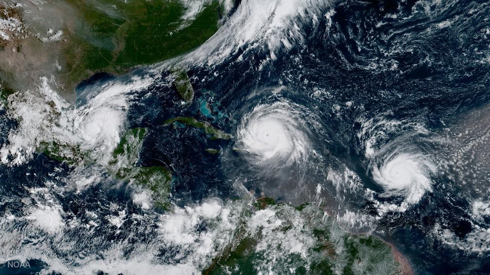 Imagem de satélite mostra o furacão Irma, o furacão Jose (direita) e o furacão Katia (esquerda) no Oceano Atlântico  (Foto: NOAA/Handout via Reuters )