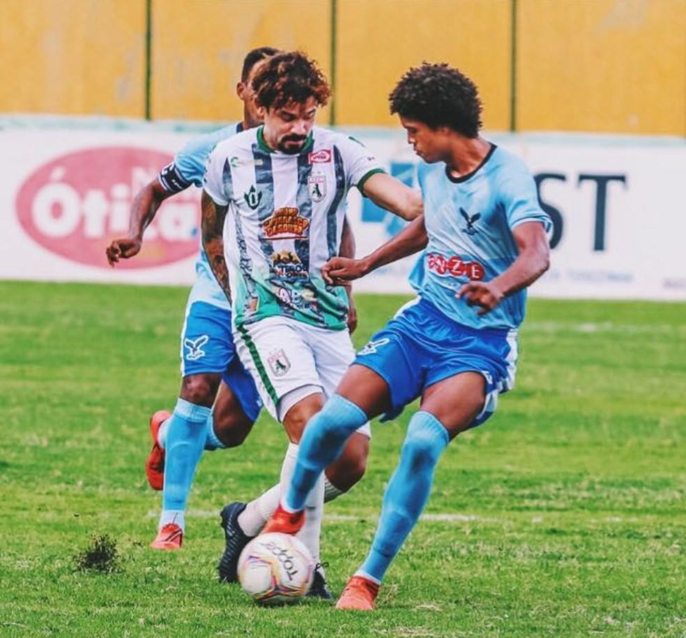 Bruno Menezes em ação: volante em jogo pelo Sousa — Foto: Reprodução / Arquivo pessoal