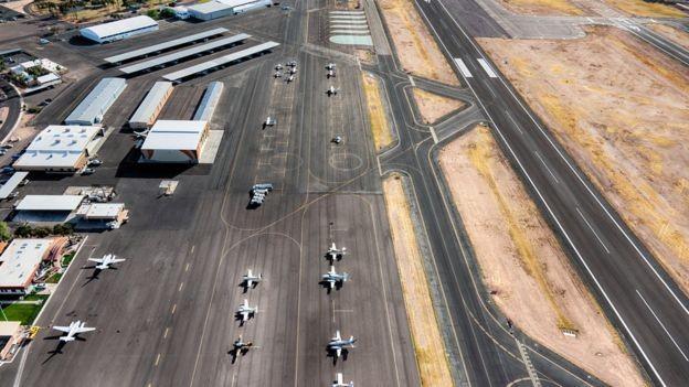 O governo Bolsonaro já mapeou mais 94 projetos, quase metade de aeroportos (44), que podem ser incluídos no PPI (Foto: Getty Images via BBC News Brasil)