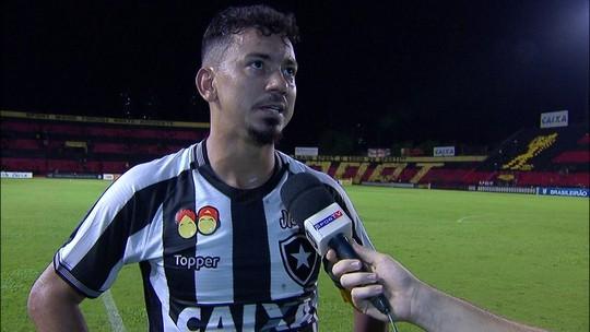 Lindoso fala sobre gol e empate do Botafogo com Sport fora de casa