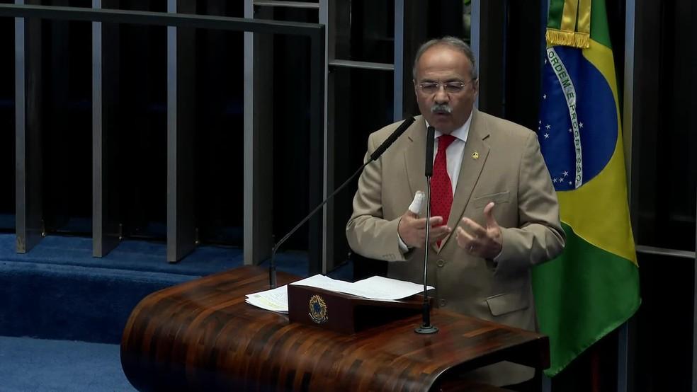 Chico Rodrigues foi alvo de operação da PF em Roraima e tentou esconder dinheiro na cueca — Foto: GloboNews