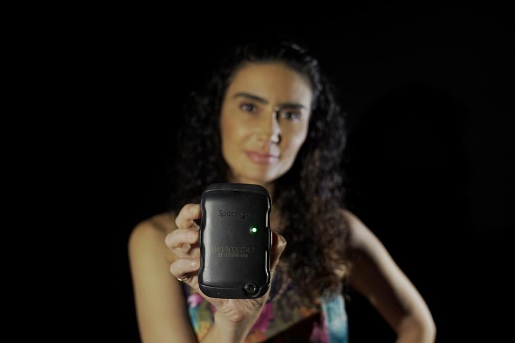Atriz Cristiane Machado foi a primeira mulher no RJ a receber botão do pânico — Foto: Jorge Soares/G1