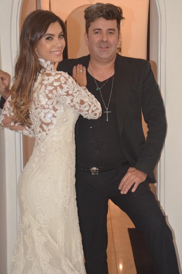 Letícia Datena e o estilista Geraldo Couto (Foto: Arnaldo Silva)