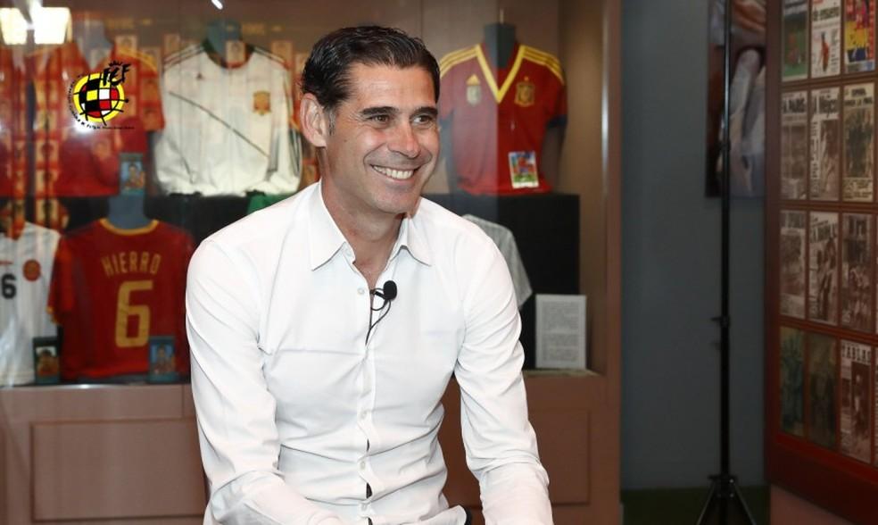 319065831b52e Fernando Hierro é escolhido para comandar a Espanha na Copa do Mundo ...
